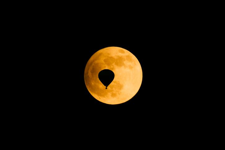 宇宙葬 バルーン葬 月面葬